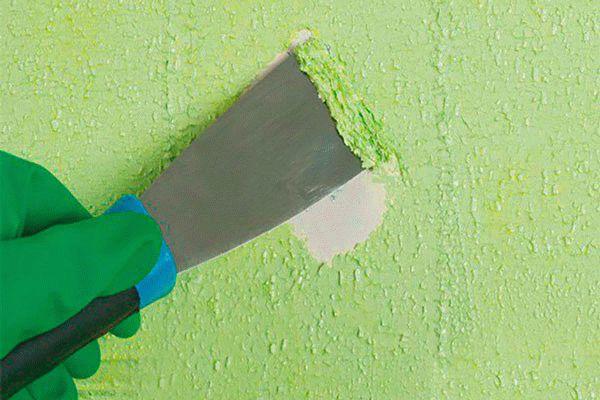 удаление старой краски шпателем