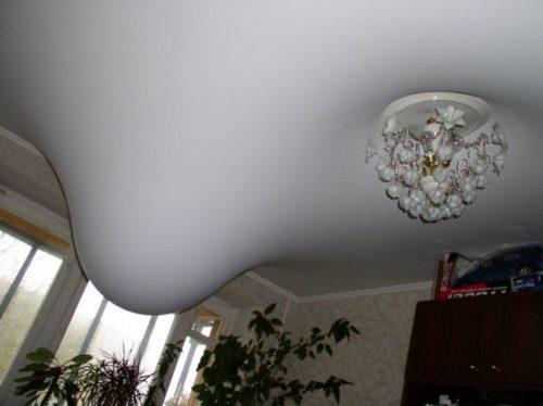 Полотно потолка подлежит демонтажу