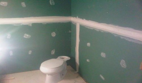 Стены выровнены гипсокартонном
