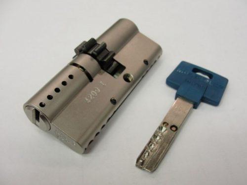 Личинка «ключ-ключ» с шестеренкой под перфокарточный ключ