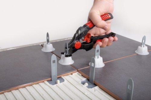 Выравнивание плитки системой Rubi Tile Level