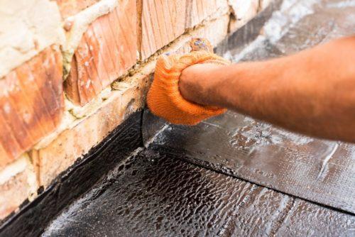 Заведение на стену рубероида или пароизоляционной пленки обязательно