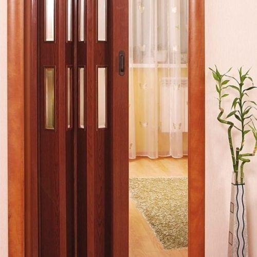 Дверь-гармошка