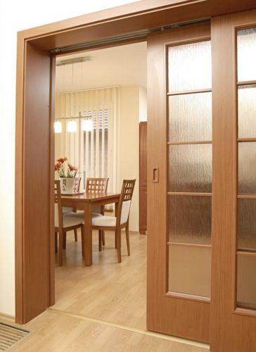 внутрипроемная дверь