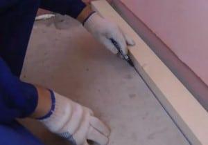 карандашом обводится контур уложенного бруса