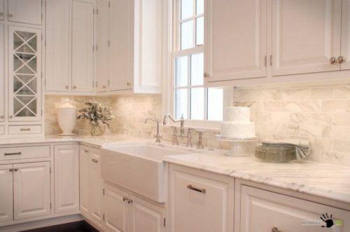Фарфоровая плитка не сильно отличается от других видов керамики, так зачем платить много