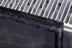 стеклопакет герметизируется бутиловой лентой